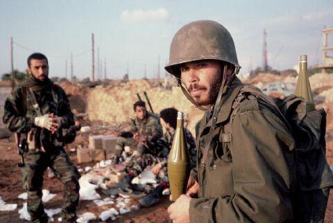 scènes de combat (armée libanaise, palestinien, chrétien...) 1982-amal-khalde
