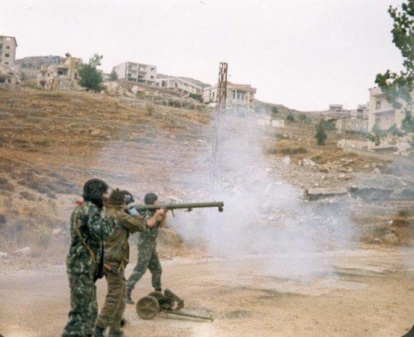scènes de combat (armée libanaise, palestinien, chrétien...) 1982-amal-n503462641_121484_1935