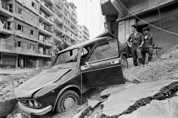 scènes de combat (armée libanaise, palestinien, chrétien...) 1982-amal-n505353208_76365_12211