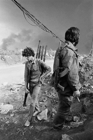 scènes de combat (armée libanaise, palestinien, chrétien...) 1982-amal-n505353208_76370_1674