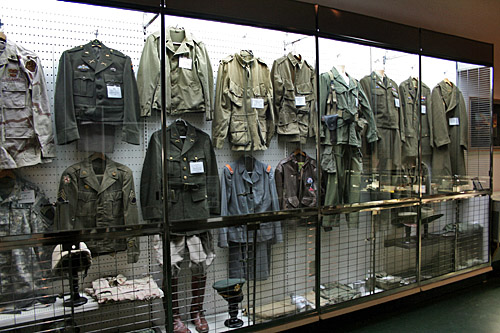 Display ideas Currahee_military_museum2