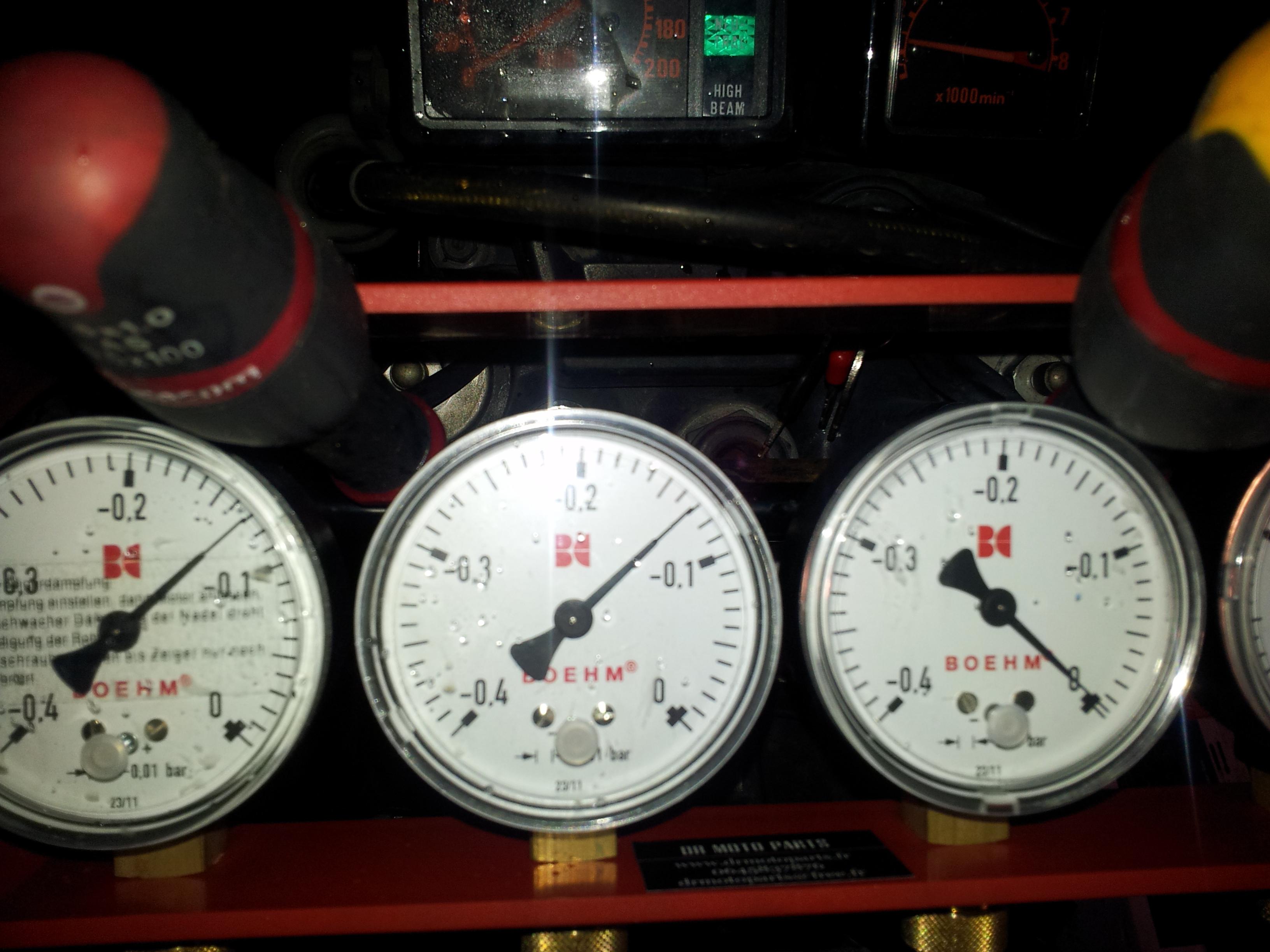 XLV 750 : Ralenti accéléré (2000/2500 tours/m)  [RESOLU] - Page 3 XLV%20750%20syncro%201200