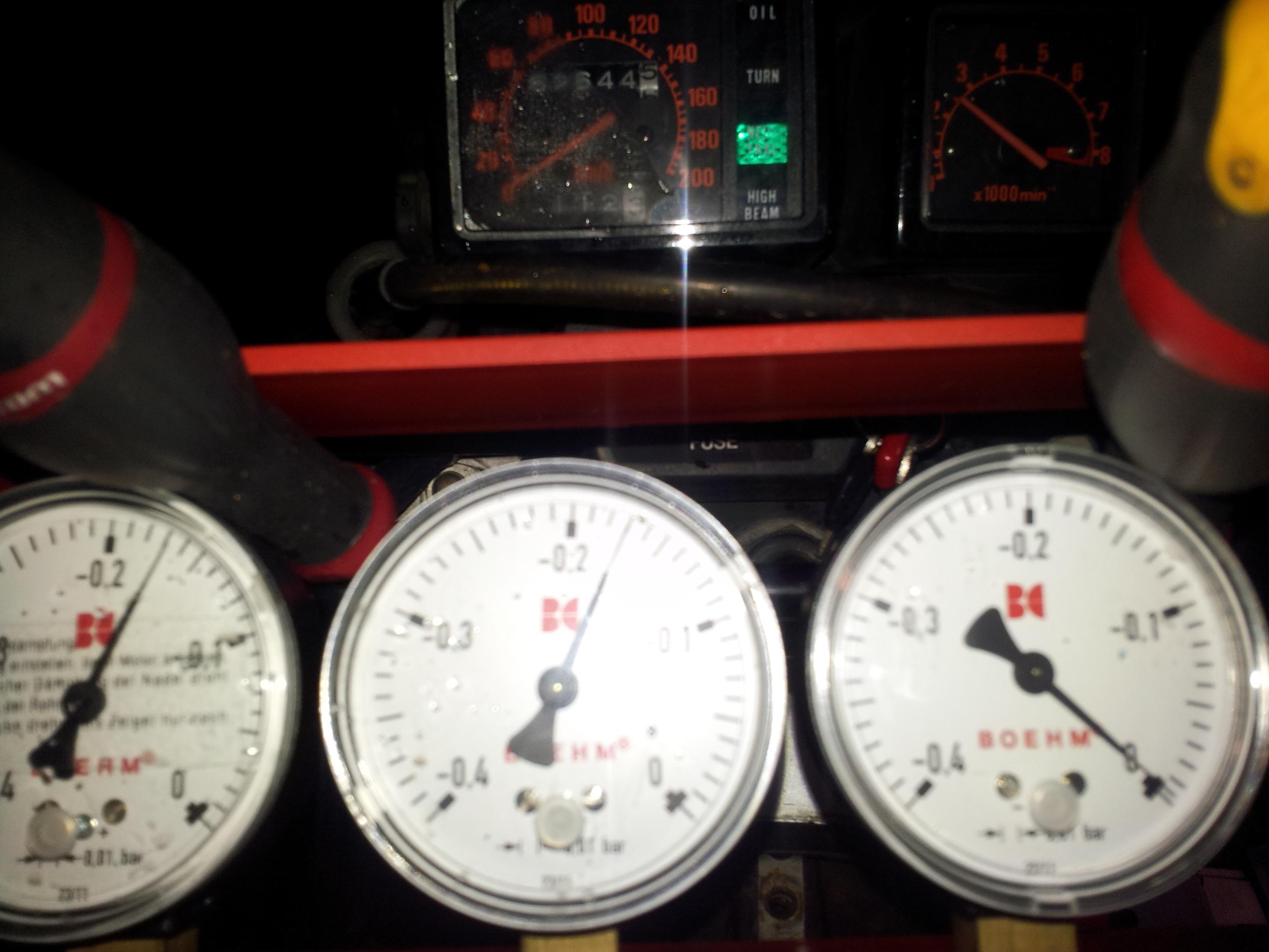 XLV 750 : Ralenti accéléré (2000/2500 tours/m)  [RESOLU] - Page 3 XLV%20750%20syncro%202500