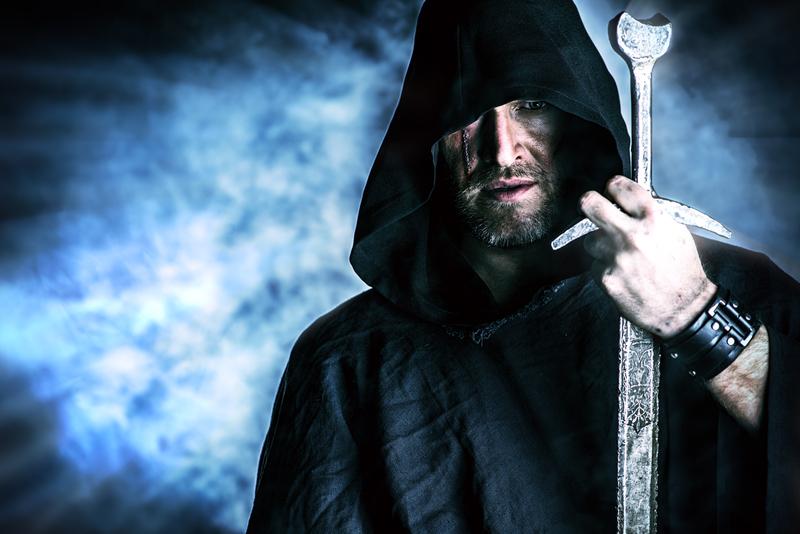 I TRE CEDRI (una storia da raccontare). - Pagina 2 Odin-with-sword