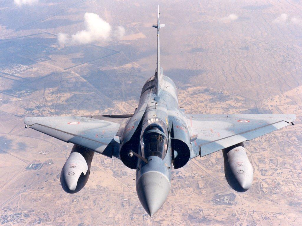 المقاتله الروسيه Su-24 قد تشعل الصراع بين الارجنتين وبريطانيا  - صفحة 4 Photo_mirage_2000_c_dassault_aviation_-_f-_robineau_3_-2