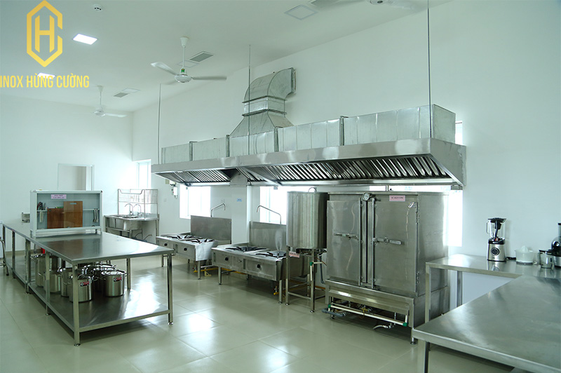 Sản phẩm cần bán: Vai trò của hệ thống hút khói bếp công nghiệp Chup-hut-khoi-bep-inox