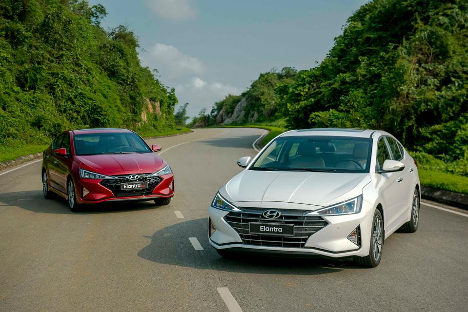 Sản phẩm cần bán: Chi tiết phiên bản thể thao Hyundai Elantra Sport 2019 Hyundai-Elantra-2019-8