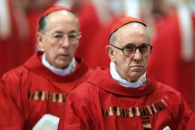 Mettons tous un bonnet rouge en avatar - Page 6 1576752-francois-ier-qui-est-le-nouveau-pape-jorge-mario-bergoglio