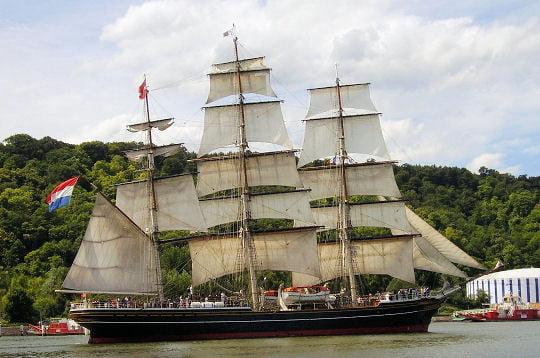 le bateau de Martin du 22 juillet trouvé par Martine 279377-le-stad-amsterdam-un-trois-mats-social
