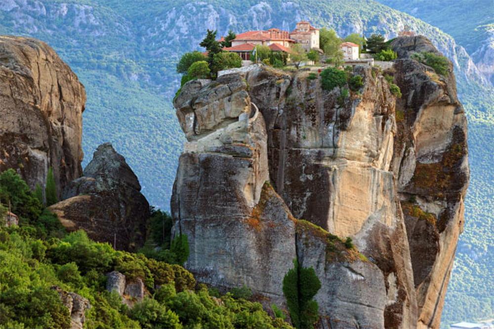 اليونان إرث حضاري عريق 746783