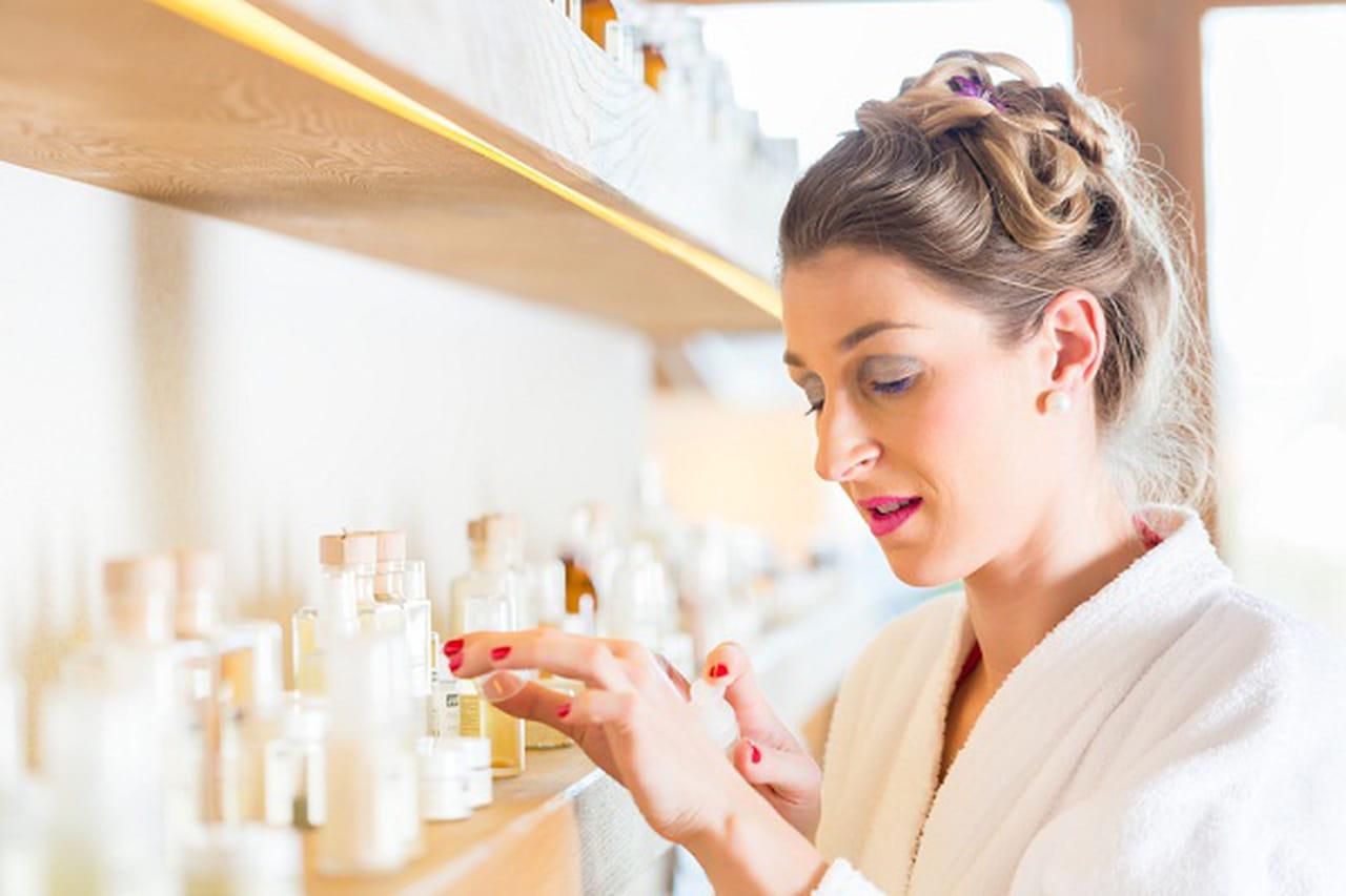 تعرفي على أكثر مسببات حساسية الجلد الموجودة في منتجات التجميل  841415