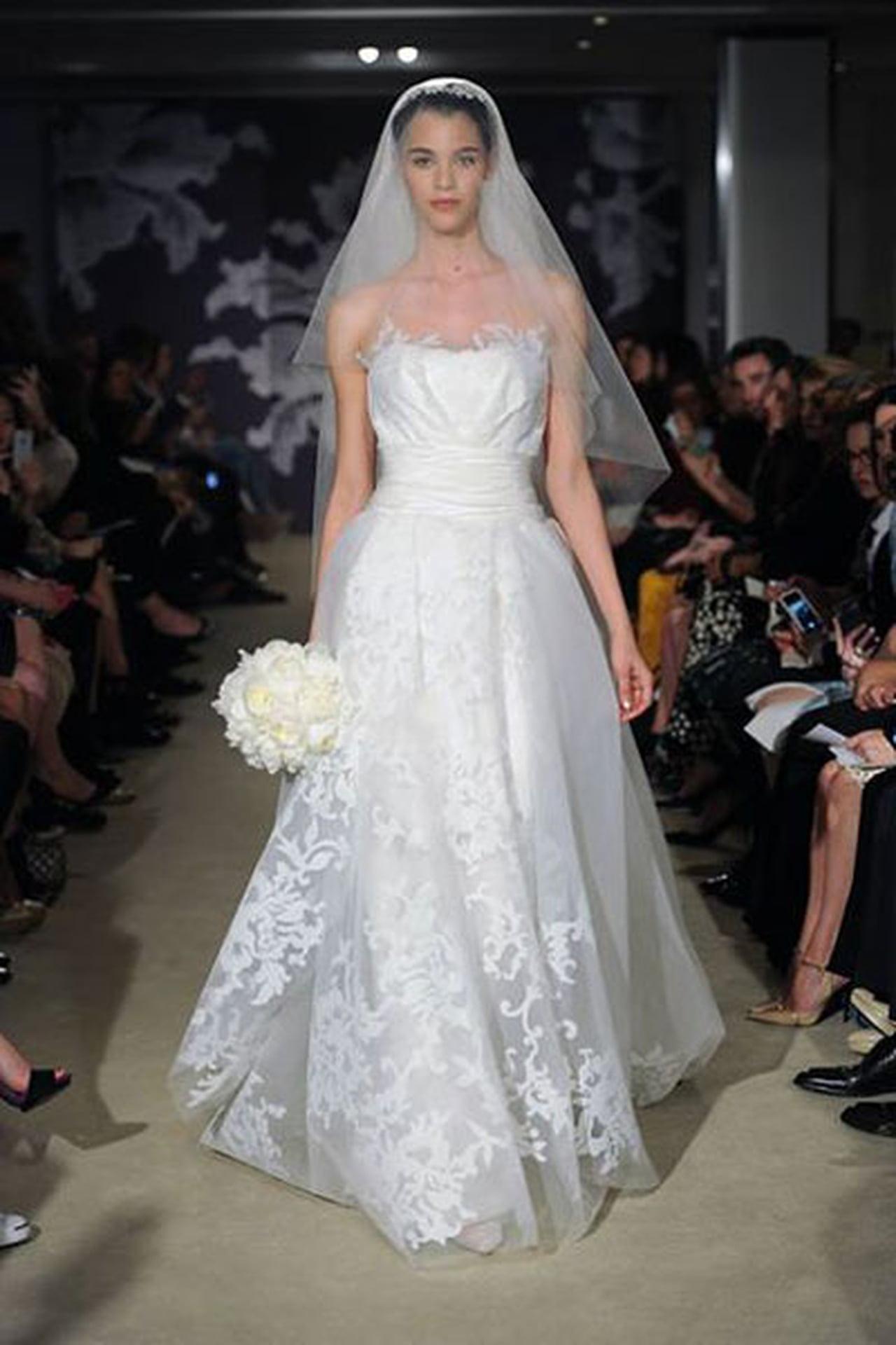 إبداع كلاسيكي في فساتين زفاف 817023