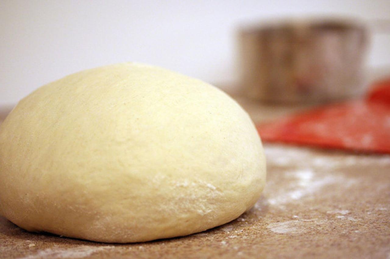 طريقة عمل خبز الساندويتشات (الفينو أو الصامولي أو الصمّون)  826029