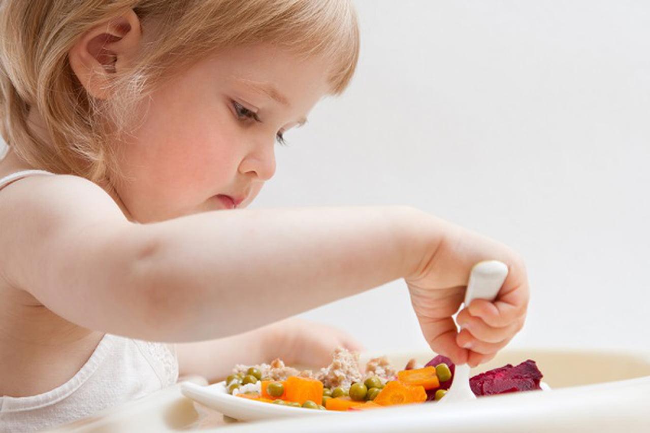 الأطعمة التي تزيد من مناعة طفلكِ  825684