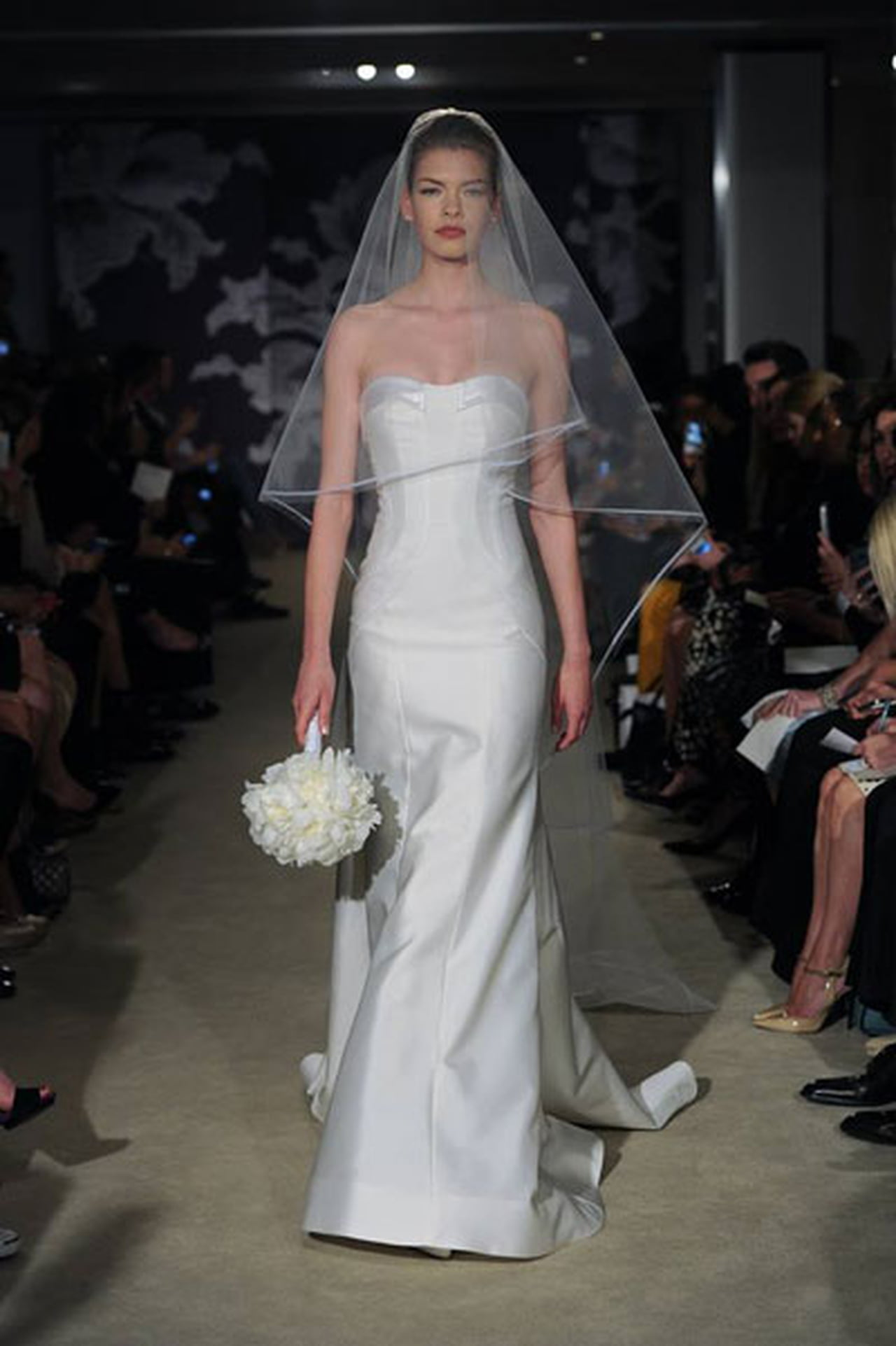 إبداع كلاسيكي في فساتين زفاف 817031