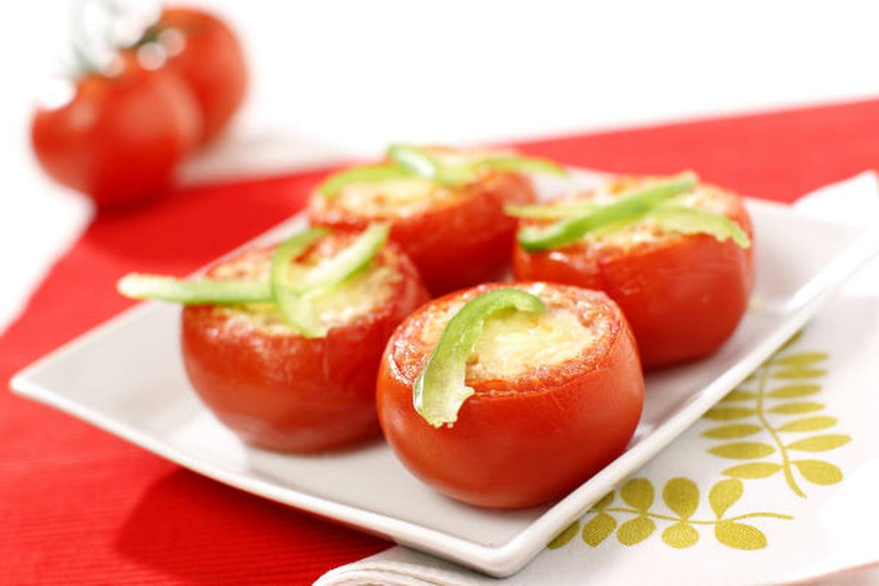 الطماطم المخبوزة مع البيض بالزبدة 812526