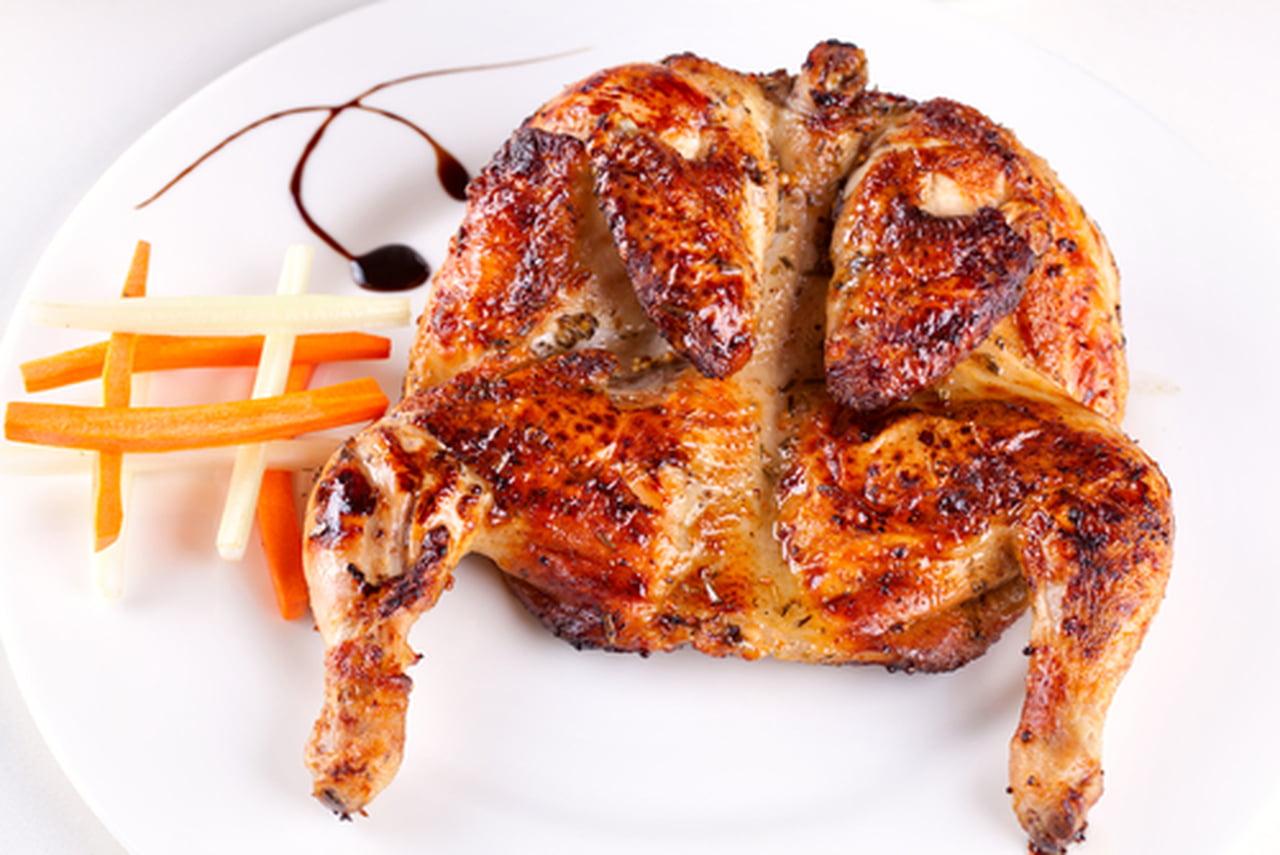 طريقة عمل الدجاج المشوي بتتبيلة لذيذة  836398