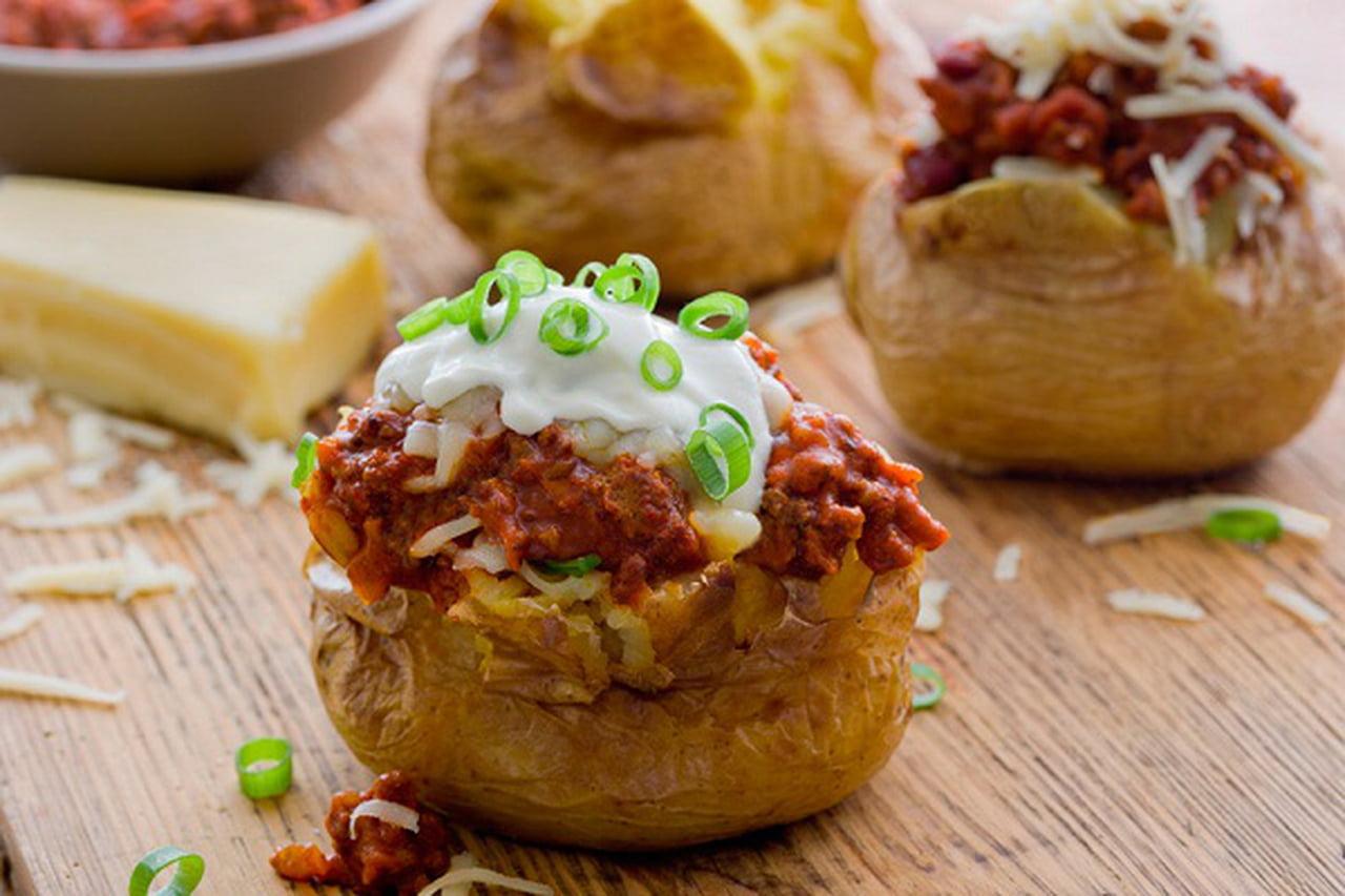 طريقة عمل البطاطس المحشوة باللحم المفروم 834205