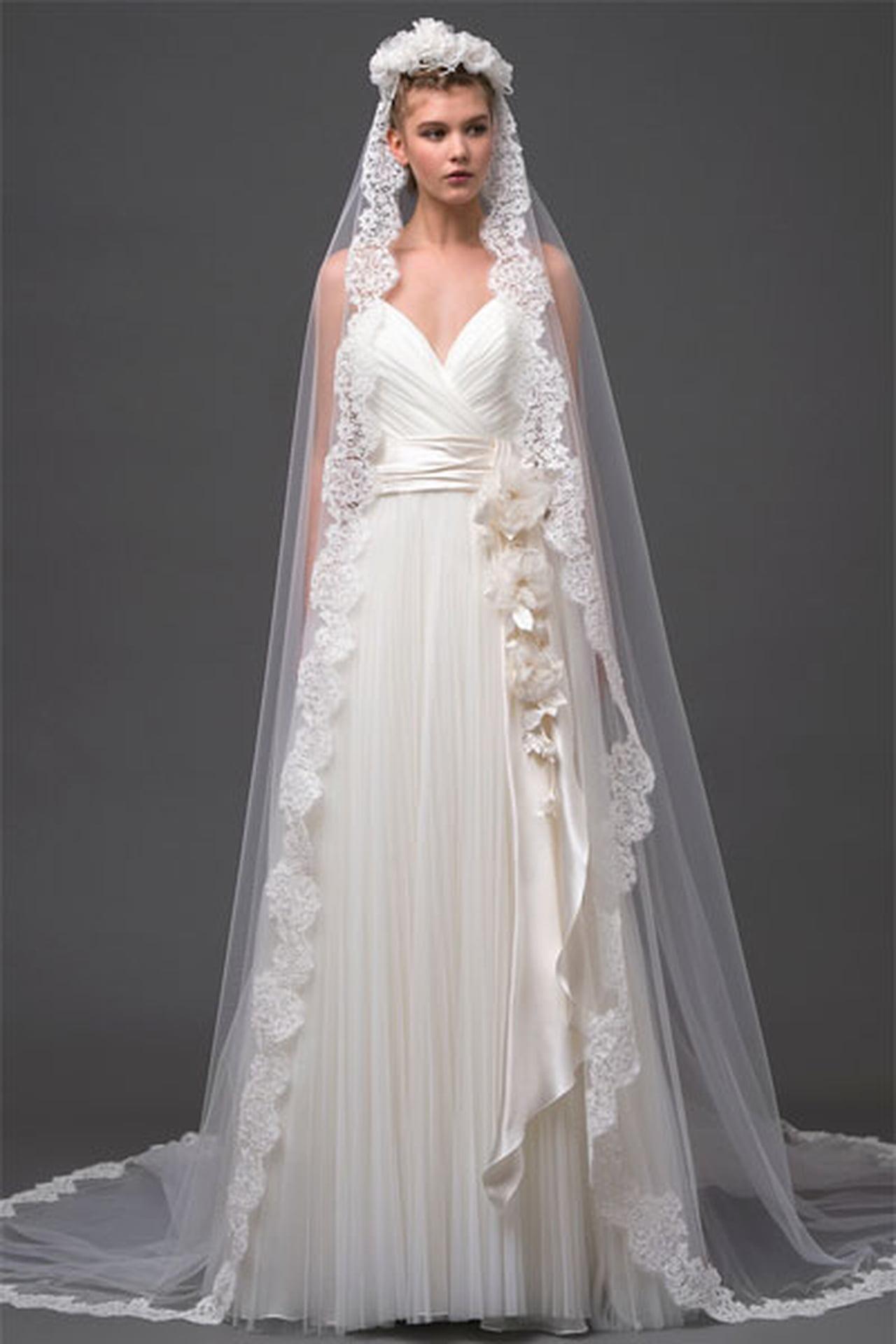 فساتين زفاف البرتا فيريتي 819876