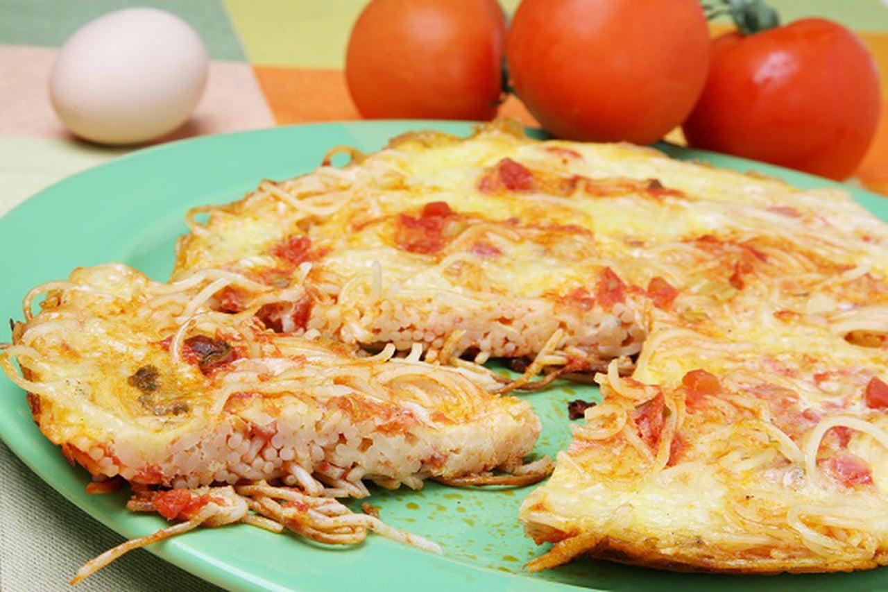 طريقة عمل بيتزا المكرونة الشهية  - صفحة 2 841424