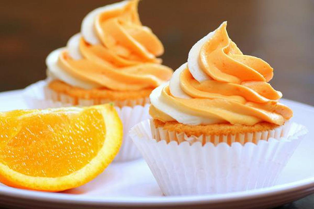 طريقة عمل كب كيك اللوز مع صوص البرتقال لذيذة ورائعة للأطفال  817646