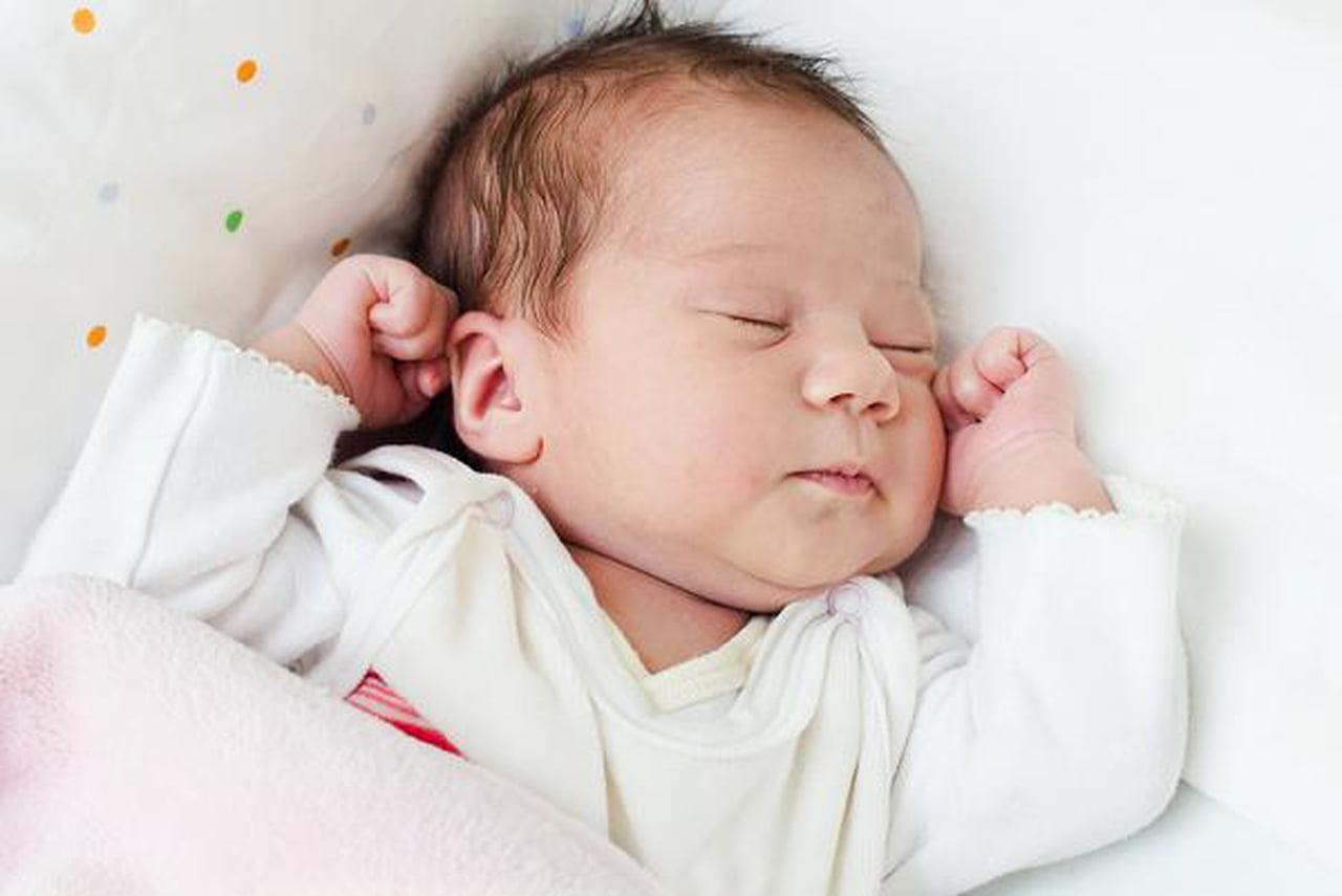 الصفراء في الأطفال حديثي الولادة: أسبابها، أنواعها، وعلاجها  812162