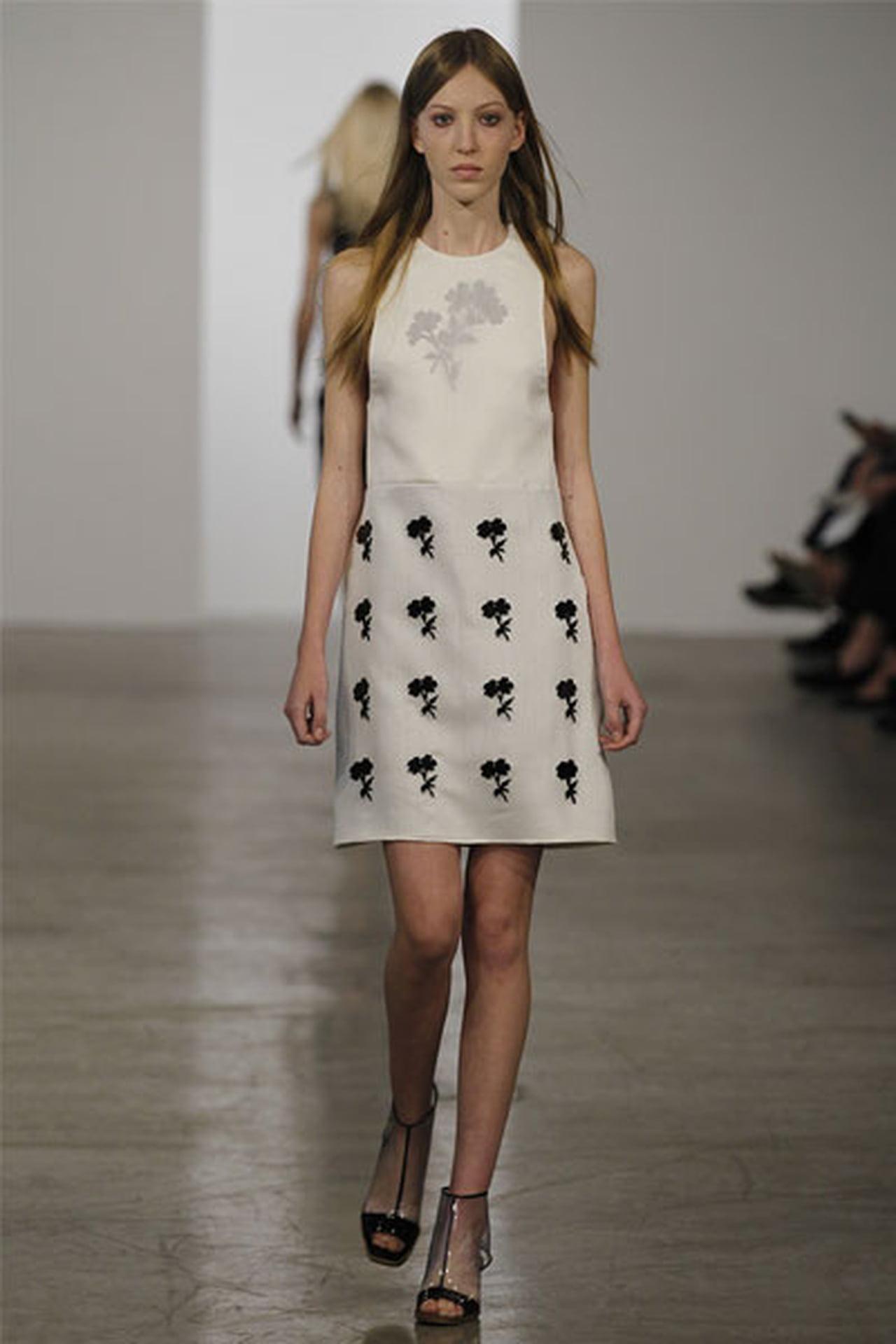 الفساتين القصيرة عنوان الانوثة 827681