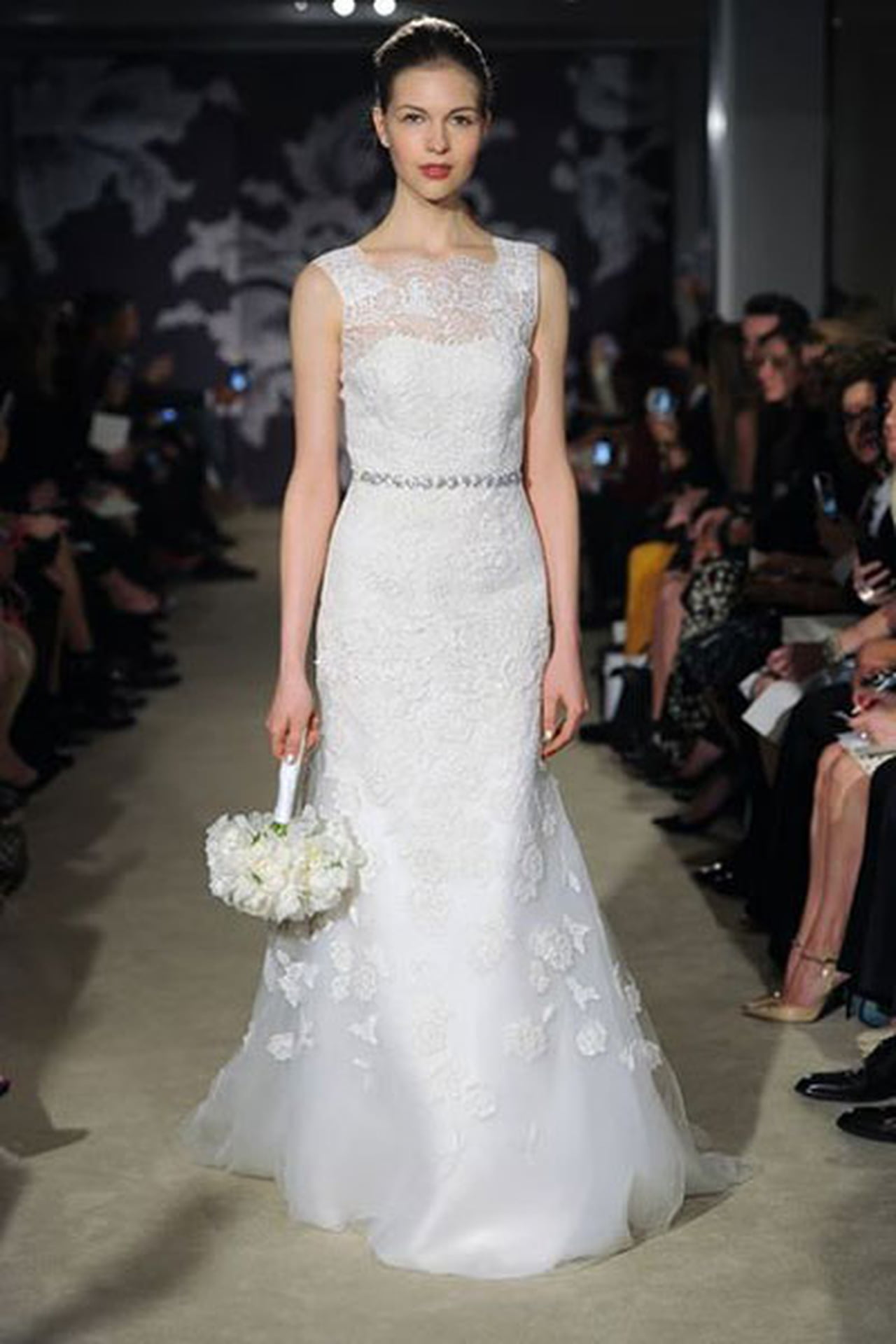 إبداع كلاسيكي في فساتين زفاف 817028
