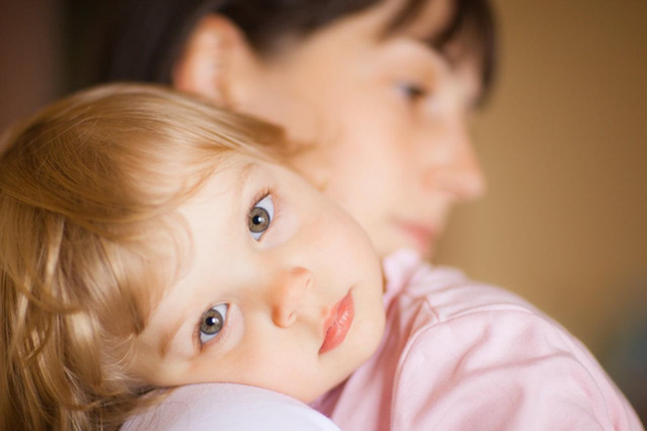 التصرف عند ابتلاع طفلك لمواد خطرة أو سامة 791246