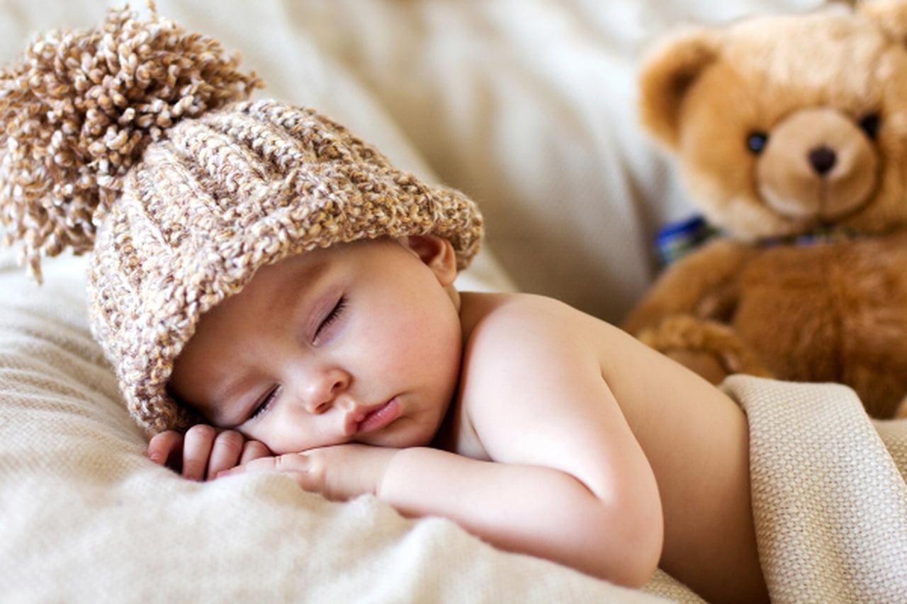 أغذية تعزز من رغبة طفلك في النوم وأخرى تمنعه 816477