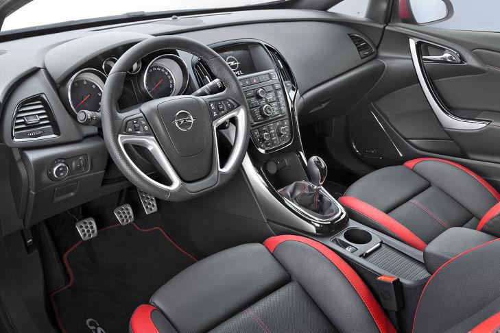 2012 - [Opel] Astra Restylée (toutes déclinaisons) [J] - Page 2 Opel-Astra-Facelift-2012-729x486-87c1fc3de4e81188