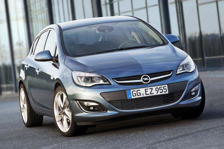 2012 - [Opel] Astra Restylée (toutes déclinaisons) [J] - Page 2 Opel-Astra-Facelift-2012-729x486-b743427c5af071b9