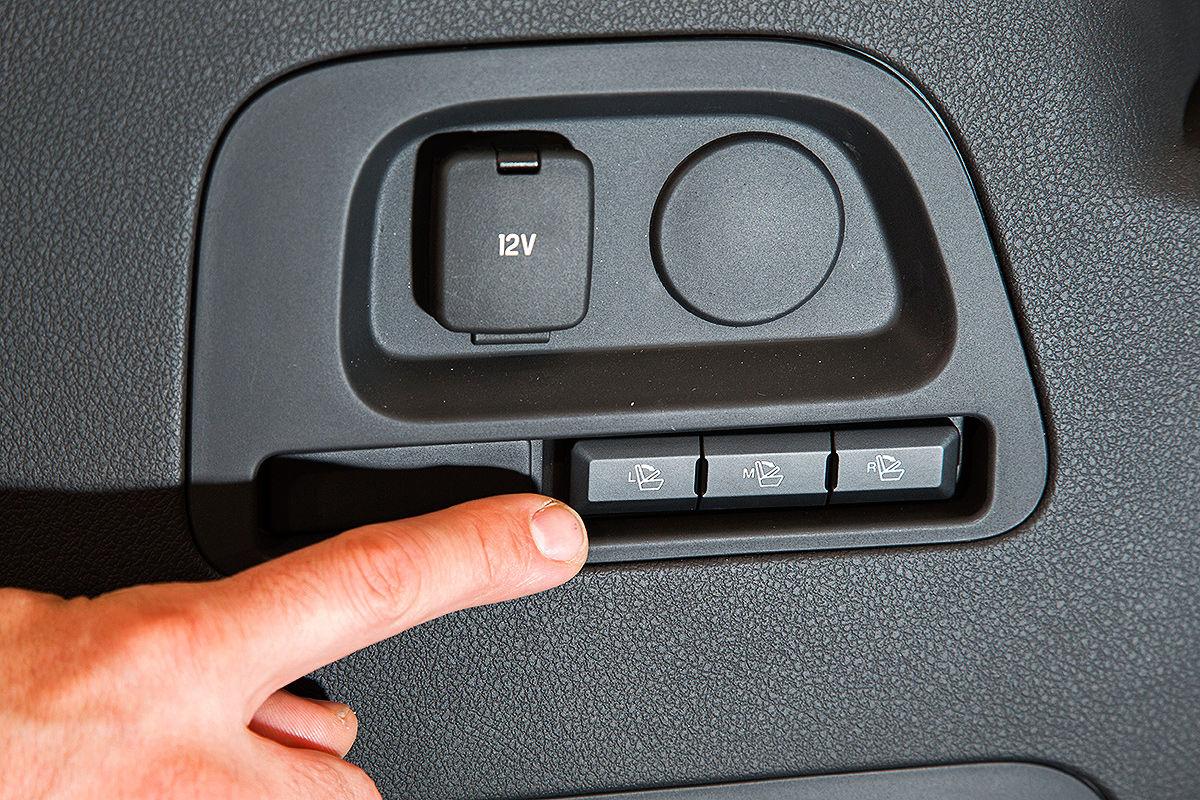 2014 - [Ford] S-Max II - Page 4 So-sitzt-es-sich-im-neuen-Ford-S-Max-1200x800-60cc8df18b89cfb6