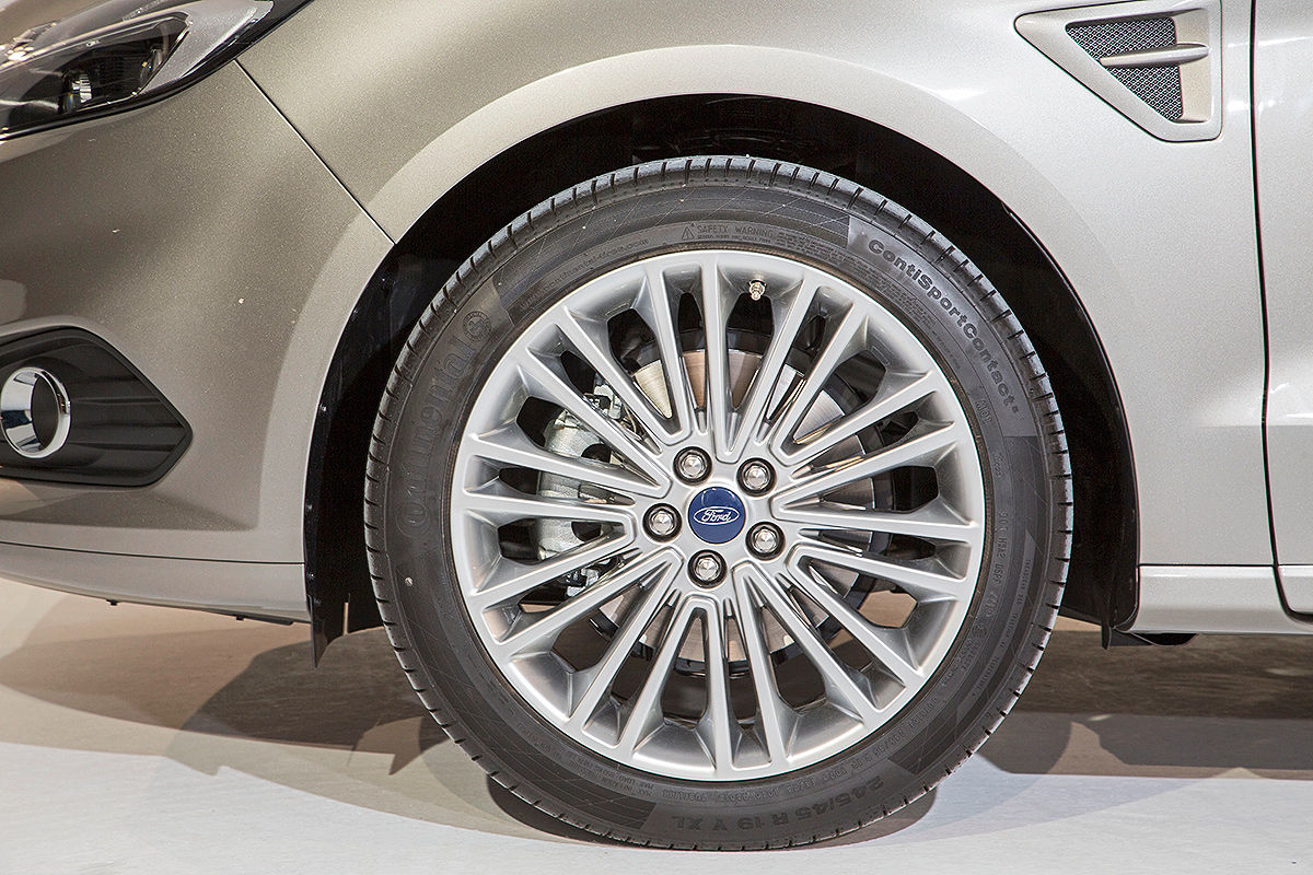 2014 - [Ford] S-Max II - Page 4 So-sitzt-es-sich-im-neuen-Ford-S-Max-1200x800-81e93e31cca03c7f