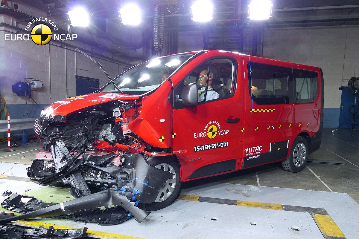 2014 [Renault/Opel/Fiat/Nissan] Trafic/Vivaro/Talento/NV300 - Page 10 Opel-Vivaro-Renault-Trafic-Euro-NCAP-Crashtest-Februar-2015-1200x800-a672ab558a65382a