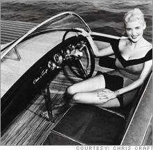EXCLUSIF : Hamilton s'embarque avec les canots RIVA Chris_craft_girl.03
