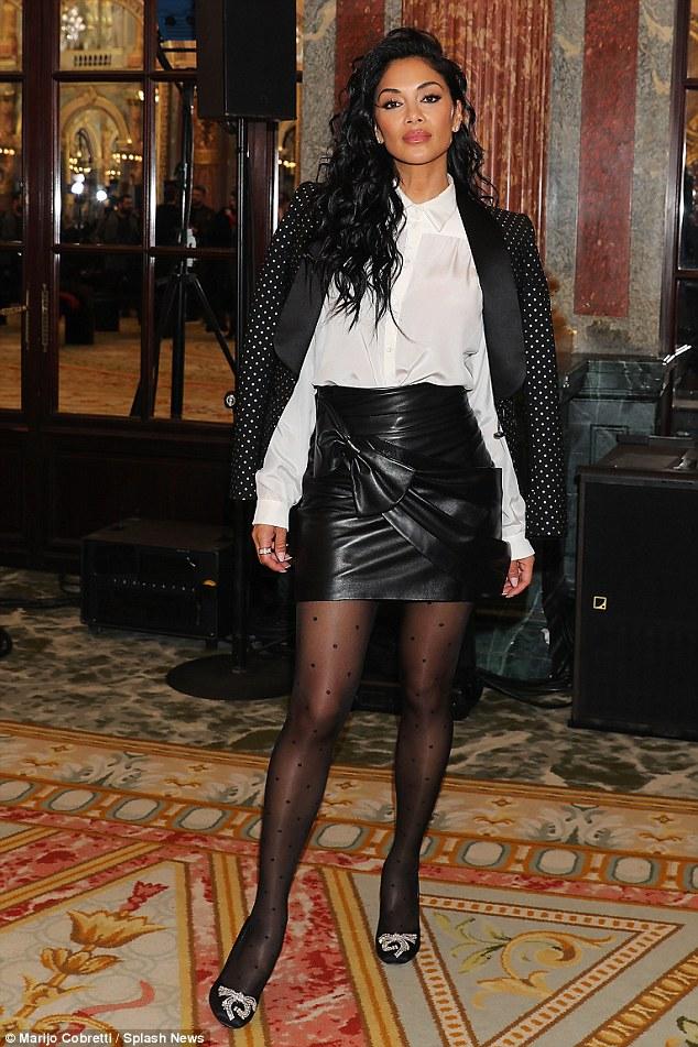 Nicole Scherzinger - Página 9 49BF17C200000578-5456629-image-a-162_1520036828693
