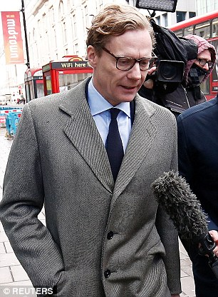 The Serious Side - part 4 - Page 19 4A5E12A000000578-5529015-Cambridge_Analytica_CEO_Alexander_Nix_arrived_at_the_firm_s_Lond-m-6_1521709582396