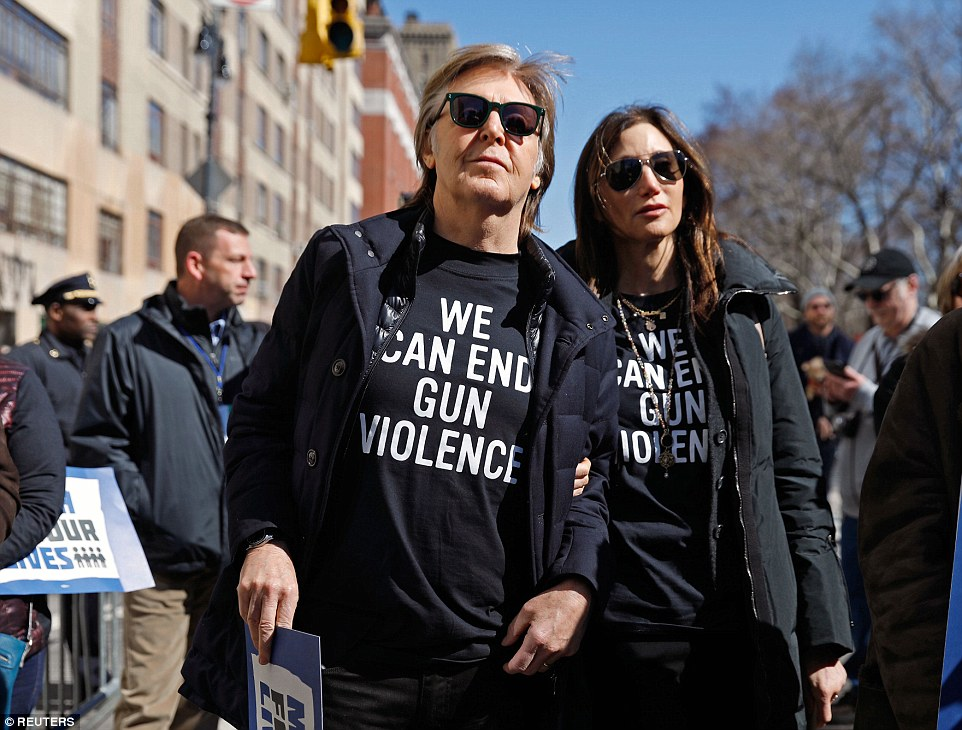 George Clooney: my letter to the Parkland students  4A82838600000578-5539363-image-a-153_1521907514901