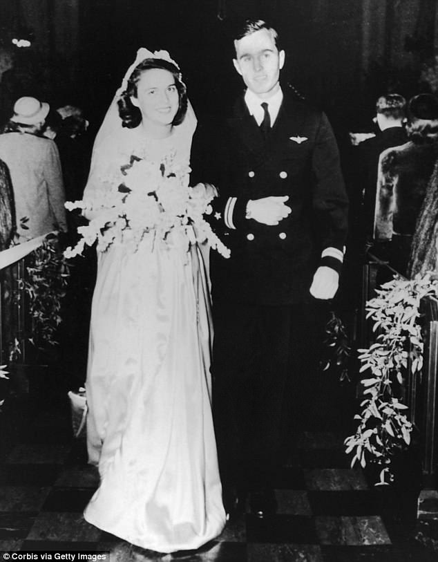 The Serious Side - part 6 - Page 3 4B3133A800000578-5618549-Barbara_and_George_H_W_Bush_married_in_January_1945_at_the_First-m-69_1523818084798