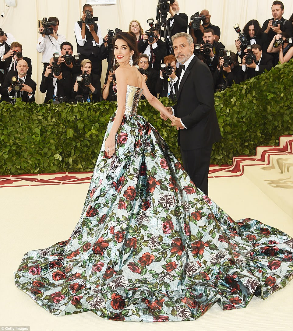 George and Amal at Met Gala 4BF3EE9C00000578-5701309-image-a-183_1525729973219