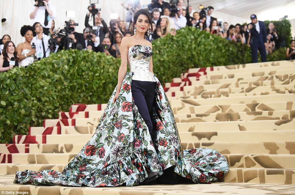 George and Amal at Met Gala 4BF3F27000000578-5701183-image-m-107_1525730777646