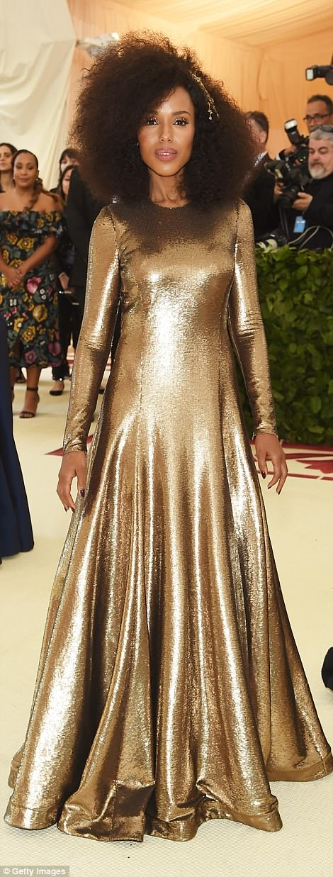 George and Amal at Met Gala 4BF4476600000578-5701183-Golden_Scandal_actress_Kerry_Washington_chose_a_bold_long_sleeve-m-245_1525736031849