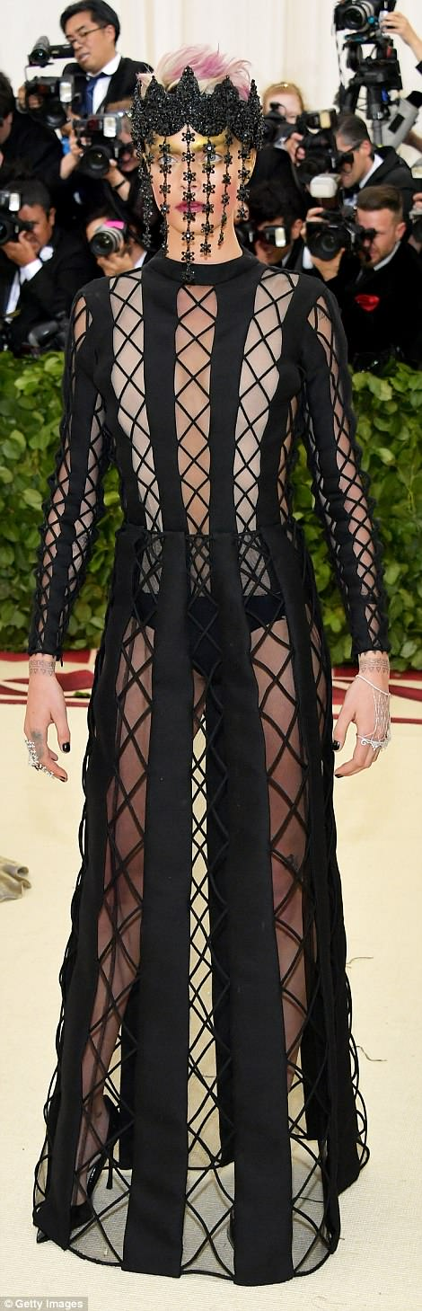 George and Amal Clooney Later at after party after the Met Gala2918 4BF4E7C600000578-5702785-British_model_Cara_Delevingne_meanwhile_came_wearing_an_all_blac-a-69_1525779878558