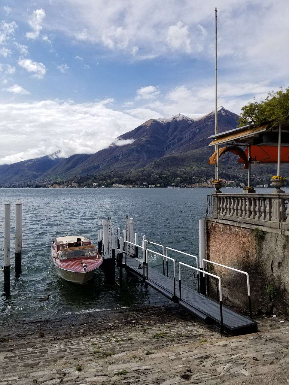 FEMAIL-reveals-live-la-dolce-vita-George-Clooneys-favorite-destination-Lake-Como 4BFC19F600000578-5700925-Travel_in_style_A_visit_to_Lake_Como_isn_t_complete_without_a_po-a-14_1525877366201