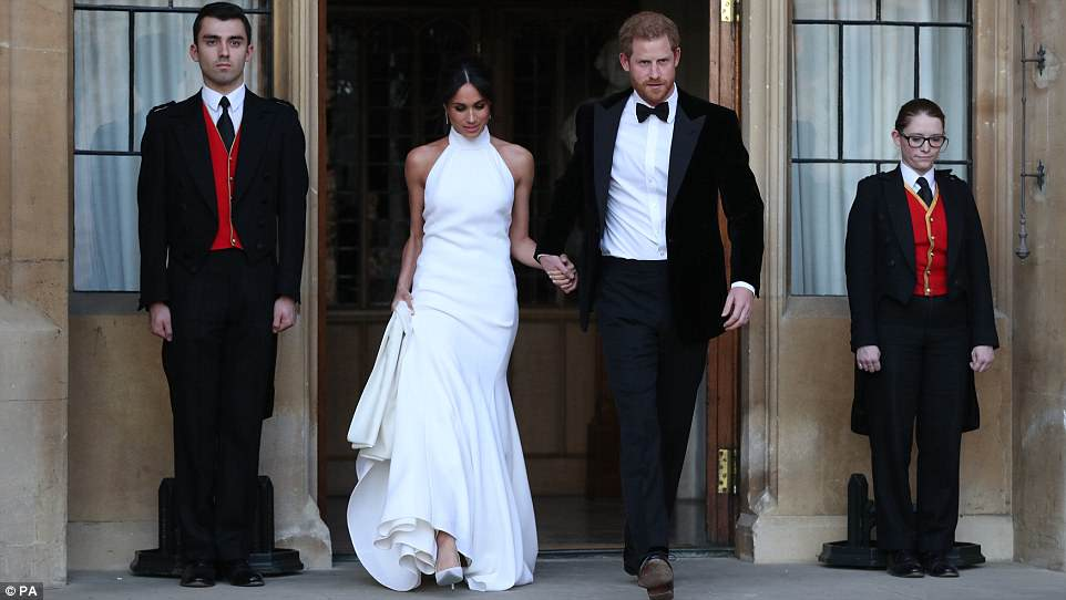 George and Amal at Royal Wedding evening reception Frogmore House 4C70FF7900000578-5748651-image-a-9_1526754459426