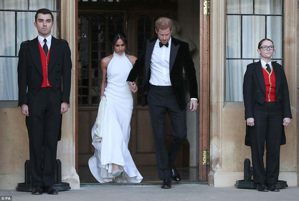 George and Amal at Royal Wedding evening reception Frogmore House 4C7102C800000578-5748651-image-a-58_1526759332697