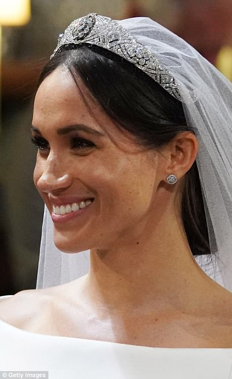 George and Amal at Royal Wedding evening reception Frogmore House 4C6D975C00000578-5748651-Meghan_smiles_broadly_during_her_wedding_to_Prince_Harry_at_St_G-a-2_1526801822348
