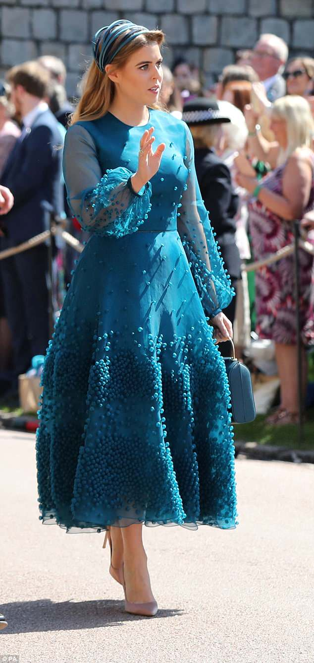 George and Amal Clooney at the Royal Wedding - Page 2 4C7138AF00000578-5751241-Beatrice_looked_lamp_like_in_her_Roksanda_teal_silk_organza_with-a-36_1526885491967