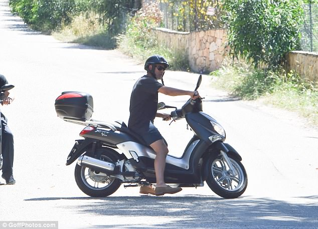 Daily Mail George Buys Cheese In Sardinia 4CA66C0800000578-5774967-image-a-42_1527353682927
